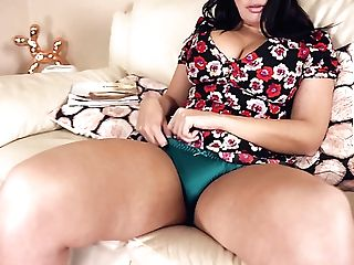 Voluptuous All Alone Nymphomaniac Kylie K Exposes Her Sexy Hips And...