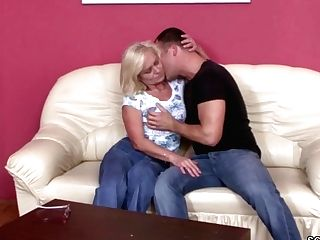 He Entice Best Friends Mom To Fuck And Lost Cherry