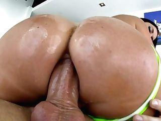 Jasmine Jae's Crazy Rosy Pucker Is Punctured On Supah Big Hard...