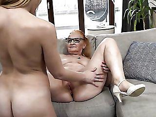 Czarne owłosione babcia porno