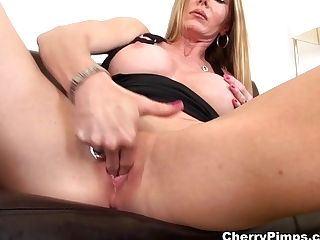 Best Sex Industry Star Amber Michaels In Amazing Cougar, Big Tits...
