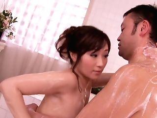 Shizuku Gives A Utter Service Bath