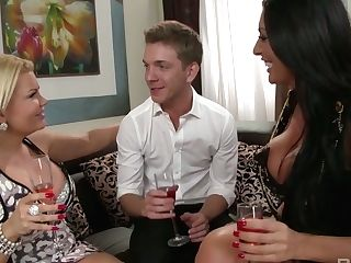 Youthful Dude Luvs Having Dirty Threeway Fucky-fucky With Two...